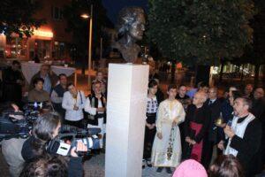 2013-Sfintire statuie